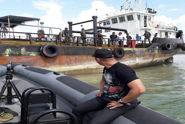 https://www.rasio.co/wp-content/uploads/2017/04/2-buah-kapal-Tanker-MT-Brama-Ocean-Berbendera-Malabo-314-GT-dan-MT-Orca-Berbendera-Fiji-127-GT.jpg